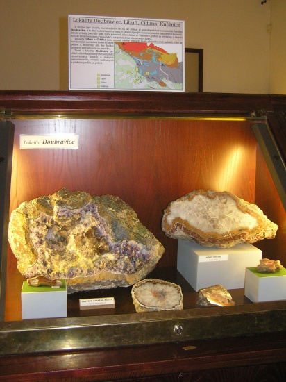 expozice-drahych-kamenu-1757